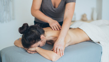 Intensivo - Especialista en masaje holístico
