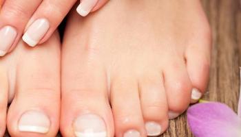 Intensivo - Estilista en manos y pies, uñas acrílicas y de gel y decoración de uñas